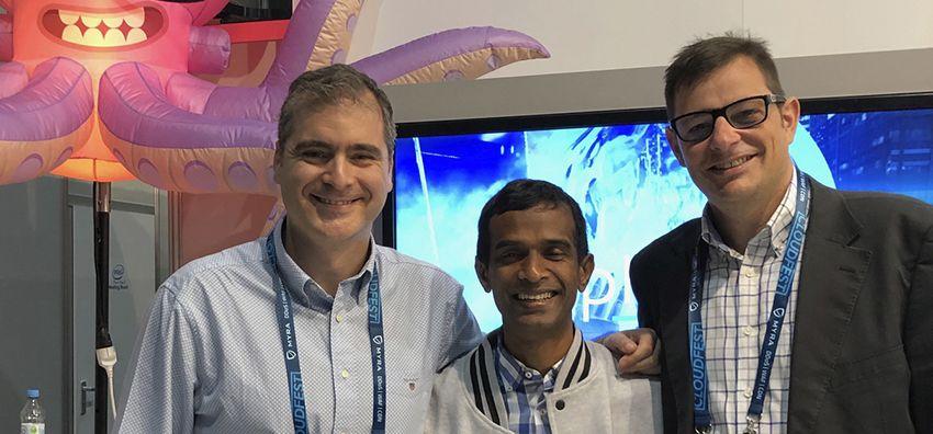 CloudFest: De izquierda a derecha, Antonio Guerrero, un representante de Plesk y Rafael Comino